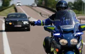 gendarme-moto-exces-vitesse